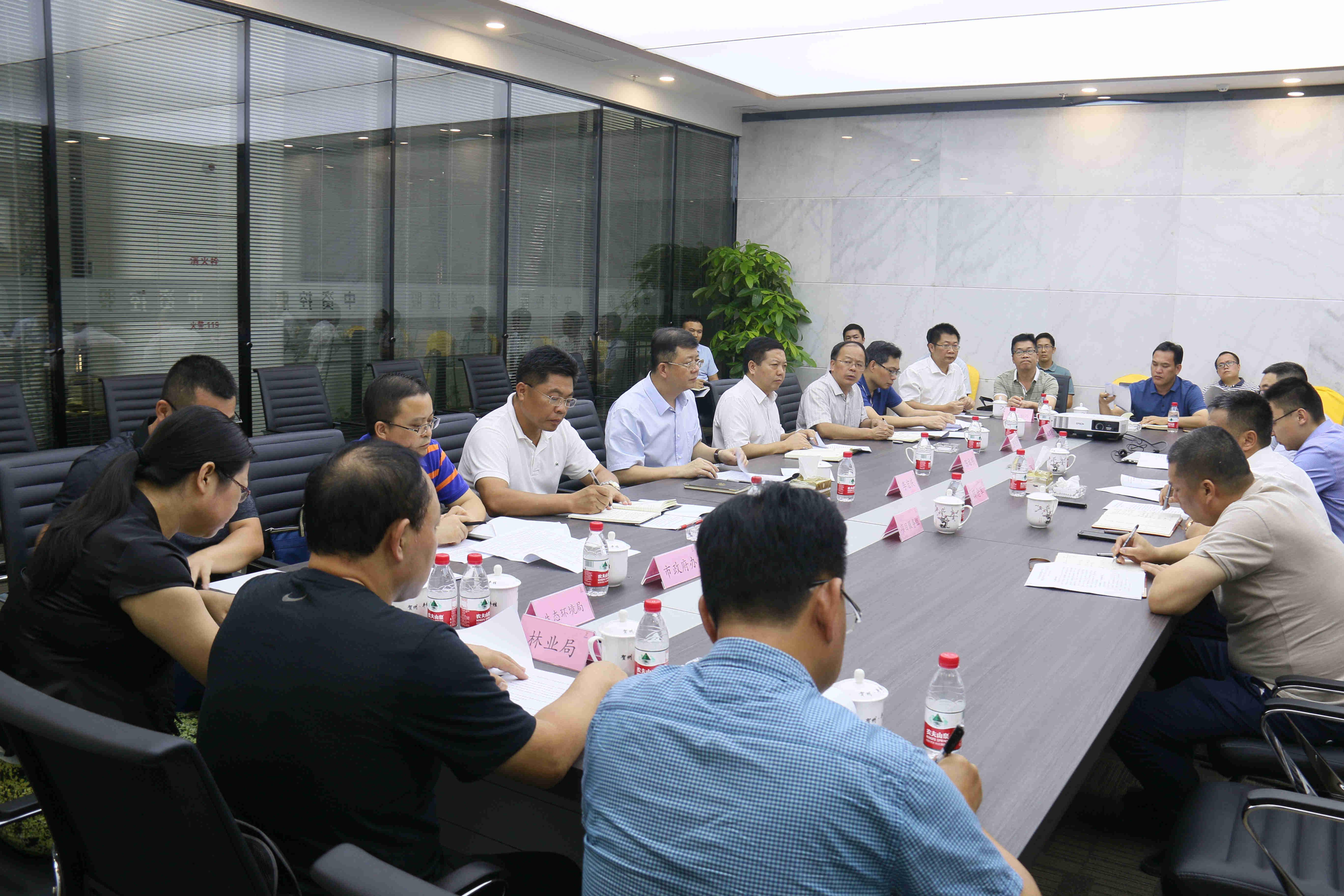 贺州市委书记李宏庆带队调研中资碳酸钙新材料产业园项目并主持召开座谈会